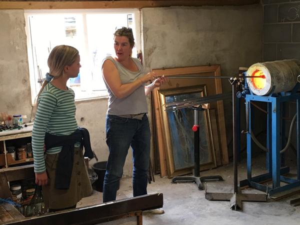 Hanford School-Glass Blowing with Emsie Sharp 4