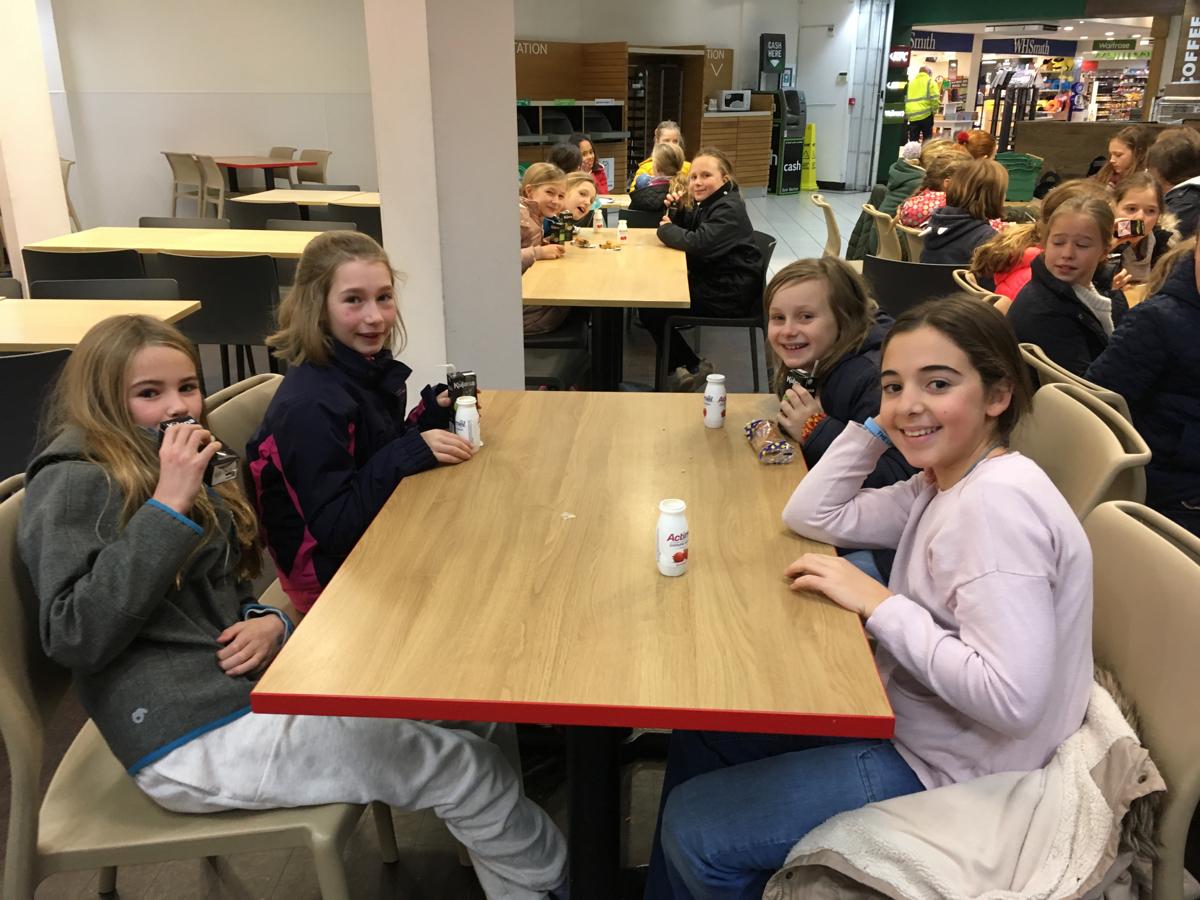Hanford School-Christmas French Trip Vth and IVth Form 3