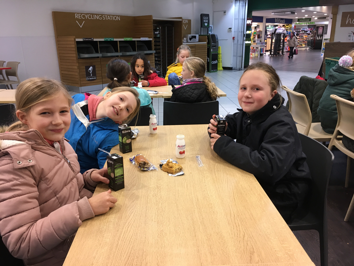 Hanford School-Christmas French Trip Vth and IVth Form 4