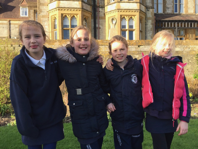 Hanford School-Clayesmore Relays match report 1